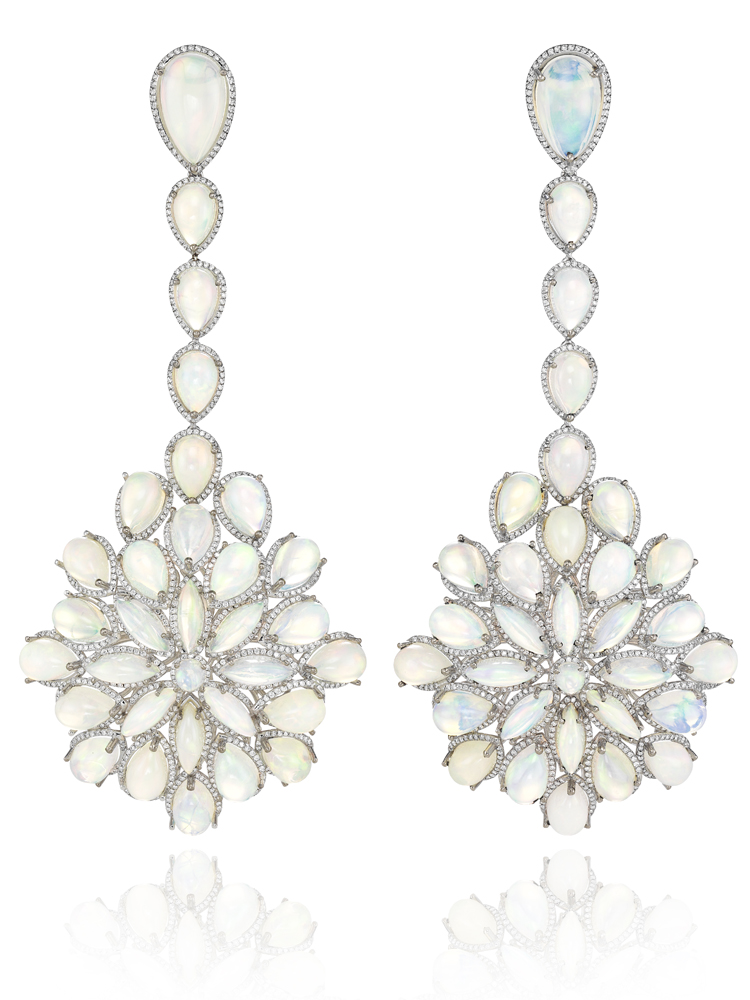 001_Red Carpet Collection earrings worn by Cate Blanchett